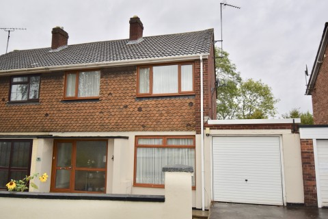 View Full Details for Chiltern Avenue, Northampton